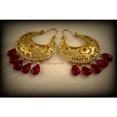 Gold Jewelry For Wedding Refferal: 9552964106 Gold Jhumka Earrings, Gold Earrings Designs, Gold Jewellery Design, Gold Jewelry, Chand Bali Earrings Gold, Jewelry Patterns, Indian Jewelry, Jewelry Crafts, Wedding Jewelry
