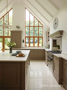 A contemporary twist on a classic shaker kitchen, including feature island, bespoke storage and built-in luxury appliances. Open Plan Kitchen, New Kitchen, Luxury Kitchens, Home Kitchens, Tom Howley Kitchens, Shaker Kitchen, Home Decor Kitchen, Kitchen Ideas, Kitchen Tools