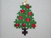 Christmas decorations from old jig-saw puzzles  Kerstdecoratie van oude puzzels  Julpynt fran gammel puzzel