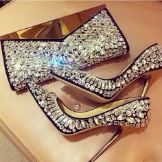 Ooohhh honey can you say bling bling child! That bag is to die for...and the shoes...Boss!