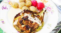 Recept på kålgratäng med gräddsås. En uppdaterad variant på kålpudding. Kalvfärsen kan bytas ut mot nötfärs.
