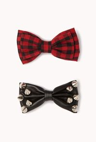 love the studded bow