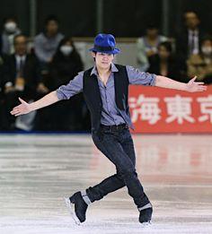 名古屋フィギュアスケートフェスティバルで演技する小塚崇彦=3日、愛知・日本ガイシアリーナ 【時事通信社】