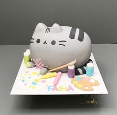 Pusheen the cat birthday cake made with Satin Ice Fondant Pusheen Birthday, Hello Kitty Birthday Cake, Cat Birthday, Birthday Ideas, Cakes To Make, How To Make Cake, Pusheen Cakes, Cake Pops, Satin Ice Fondant