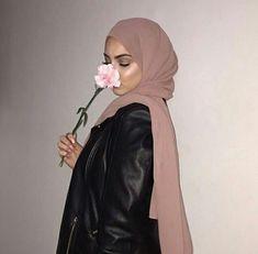 Hijabi Girl, Girl Hijab, Hijab Outfit, Arab Girls, Muslim Girls, Modest Wear, Modest Outfits, Cute Muslim Couples, Muslim Women Fashion