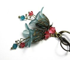 Vintage Style Flower Earrings Dangle Earrings by jewelrybyNaLa, $24.00