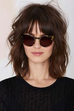 Nice, shoulder length textured hair hair saç, kahkül saç ve Medium Short Hair, Short Wavy Hair, Medium Hair Styles, Curly Hair Styles, Long Bob Bangs, Thin Hair, Wavy Lob, Straight Bangs, Curly Bob