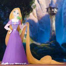 Rapunzel Papercraft from Disney. Rapunzel Birthday Party, Tangled Party, Princess Birthday, Tangled Movie, Disney Rapunzel, Tangled Rapunzel, Disney Princesses, Disney Princess Crafts, Disney Crafts