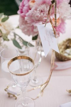 pretty place setting for a spring party