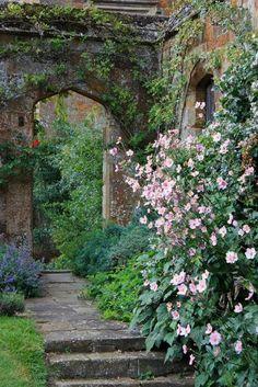 Broughton Castle, Banbury, Oxfordshire, England