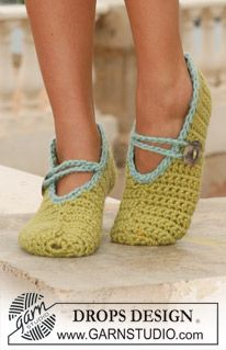 Crochet DROPS slippers  LOTS LOTS of free pattern men, women, children, home at www.garnstudio.com    Many languages