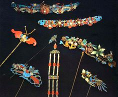 Qing dynasty jeweled gold, pearl, glass bead, and kingfisher feather hairpins, Forbidden City collection.