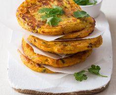 Dýňové placičky | Recepty Albert Zucchini, Carrots, Treats, Vegetables, Ethnic Recipes, Food, Sweet Like Candy, Meal, Essen