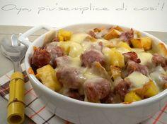 Un secondo piatto da leccarsi i baffi: patate salsiccia e provola. Una teglia ricca, un piatto gustoso e invitante. In questa ricetta c'è praticamente...