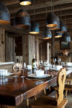 Kind of dig the Game of Thrones lighting fixtures. Ski Lodge Decor, Rustic Cabin Decor, Rustic Cabins, Log Cabins, Hunting Lodge Interiors, Log Cabin Furniture, Rustic Wood Furniture, Western Furniture, Furniture Design