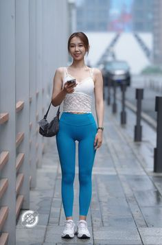 Pretty Asian, Beautiful Asian Girls, Vietnam Girl, Figure Poses, Lingerie Outfits, Girls In Leggings, Sexy Jeans, Leggings Fashion, Sexy Body