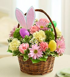 Easter Flower Arrangements Easter Flowers – Symbolic of Renewal and Spring Easter Flower Arrangements. There are specific kinds of flowers that are typically used in celebrating Easter, which… Basket Flower Arrangements, Flower Centerpieces, Flower Decorations, Floral Arrangements, Easter Centerpiece, Table Flowers, Centerpiece Ideas, Easter Flowers, Spring Flowers