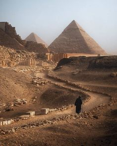 Ancient Egypt, Ancient History, Hurghada Egypt, Pyramids Egypt, Giza Egypt, Great Pyramid Of Giza, Rome, Valley Of The Kings, Egypt Travel