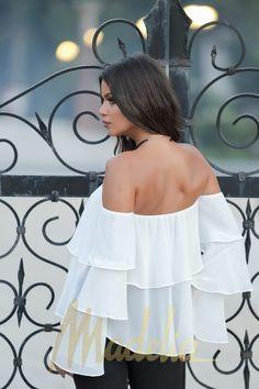 BLUZA DIN VOAL CU VOLANE by Madelia Culori: Alb, Kaki Marimi: 36, 38 Pret: 129 Lei #bluza #volane #alb #white #outfit #fall #fashion