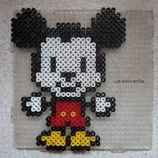Resultado de imagen de pixel art mickey mini kawaii