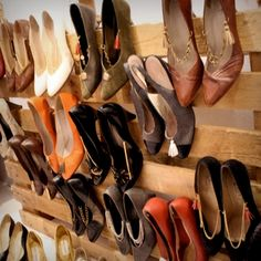 pallet shoe rack - of all the ideas I've seen for storing shoes, this one may actually work in my apartment!