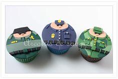 """Arcoíris de sabores: Cupcakes """"gorditos"""" guardia civil, policía y militar"""