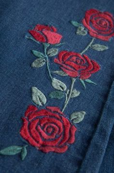 Terrific Free of Charge Embroidery Designs dress Ideas Bootcut & Flared Jeans online kaufen ORSAY JEANS Kurti Embroidery Design, Floral Embroidery Patterns, Hand Embroidery Flowers, Embroidery On Clothes, Hand Work Embroidery, Simple Embroidery, Hand Embroidery Designs, Embroidery Stitches, Modern Embroidery