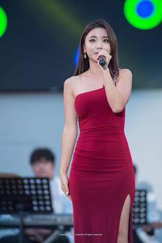 Korean Model, Korean Singer, Korean Beauty, Asian Beauty, Brave Girl, Pretty Asian, Tights Outfit, Korean Actresses, Tight Dresses