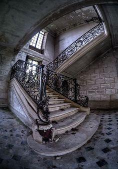decayed grandeur, stairs