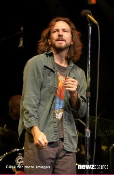 Eddie Vedder performs with Tom Petty and the Heartbreakers