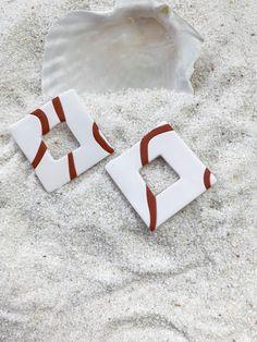Handmade Clay Earrings Boho Accessories, Handmade Accessories, Handmade Jewelry, Diy Clay Earrings, Polymer Clay Jewelry, Polymer Clay Projects, Polymer Clay Creations, Diy Jewelry Inspiration, Polymers