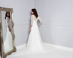 The official pictures of Amanda Wyatt's beautiful 2015 wedding dresses