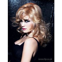 great subtle and multi-dimensional strawberry blonde. Strawberry Blonde Hair, My Beauty, Health And Beauty, Hair Affair, Great Hair, Hair Inspiration, Curly, Hair Color, Hair Dos