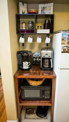 28 Genius Small Apartment Organization Ideas www. - 28 Genius Small Apartment Organization Ideas www. - 28 Genius Small Apartment Organization Ideas www. Small Apartment Organization, Apartment Decorating On A Budget, Small Apartment Kitchen, Small Kitchen Storage, Storage Organization, Organizing Ideas, Apartment Ideas, Kitchen Small, Bedroom Organization