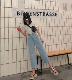 Neue Mode Stil Outfits Ideen Inspiration Ideen Source by Korean Fashion Trends, Korean Street Fashion, Korea Fashion, Asian Fashion, Look Fashion, New Fashion, Trendy Fashion, Fashion Outfits, Fashion Ideas