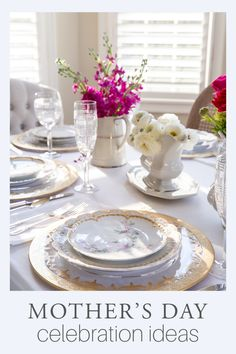 Looking for ways to upgrade your Mother's Day celebration? These Mother's Day ideas will brighten your day and add pleasure to your gathering. Modern French Country, French Farmhouse Decor, French Country Decorating, Country Interior Design, Table Setting Inspiration, Spring Home Decor, Vintage Home Decor, Mothers, Tablescapes