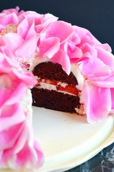 The Busy Spatula Ron Ben Israel, Red Velvet Recipes, Strawberry Roses, Rose Cake, Let Them Eat Cake, Christmas Decorations, Sweet, Desserts, Food