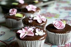 chocolate n pink… (via Zalita-away on holiday:))