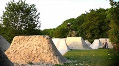 One of the best BMX Dirt Jump vid! Matt Priest's Trails http://vimeo.com/daveking Track : Black Sabbath - Spiral Architect I don't own any music rights and t...