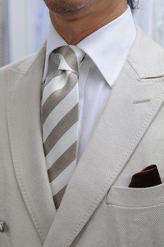 #shirtstyle #shirts #shirtshop #fashionblogger #Menswear #Gentleman #mensfashion #menstyle #menswear #Tie #necktie #frescotie #PocketSquare #linen