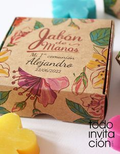 jabon-comunion-bautizo-artesanal-11 Kraft Box Packaging, Fruit Packaging, Flower Packaging, Food Packaging Design, Brand Packaging, E Commerce, Food Poster Design, Kraft Boxes, Christmas Design