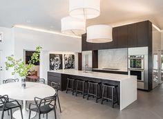Modern Kitchen with Breakfast bar, Breakfast nook, High ceiling, Complex Marble, Undermount sink, Kitchen island, Flush