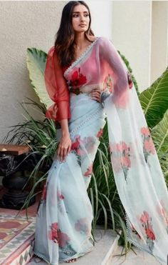 Here are the top 20 Modern ways Saree Draping Styles to Look Different & Beautiful. I love saree draping with different new styles, which I called Stylish Blouse Design, Fancy Blouse Designs, Saree Blouse Designs, Latest Saree Blouse, Dress Designs, Blouse Patterns, Trendy Sarees, Stylish Sarees, Fancy Sarees