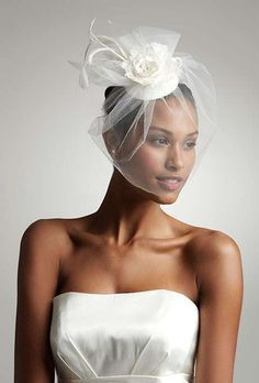 Veletta di rete chic - Proposta alla moda con fiore in stoffa. Copricapo Da  Sposa 02df9778bc24