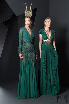 Risultati immagini per basil soda haute couture Basil Soda, Style Haute Couture, Couture Fashion, Fashion Week, High Fashion, Pretty Dresses, Beautiful Dresses, Mode Orange, Online Dress Shopping