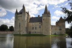Castle of Laarne - water, laarne, castle, belgium, medieval, middle ages, tower