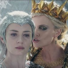 The Huntsman: Winter's War Trailer Is Terrifyingly Good: The first trailer for The Huntsman: Winter's War is here, and this time, it's all about girl power.