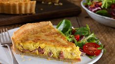 QUICHE LORRAINE - For a real showstopper, try our great tasting Quiche Lorraine recipe. Knorr Vegetable Stock Pot combined with streaky bacon, eggs and cheese makes this a delicious hot or cold dish that's full of the flavours of home cooking. Quiche Lorraine Recipe, Lorraine Recipes, Cold Dishes, Romantic Meals, Savory Tart, Dinner Entrees, Creme Fraiche, Light Recipes, Recipe Using
