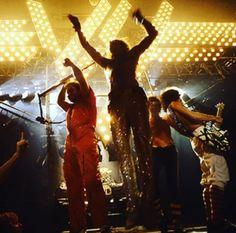 34718e11544 This is a neat picture. Diamond Dave... RF Alex Van Halen