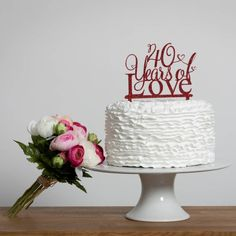 Are you interested in our wedding anniversary cake topper? With our 40 years of love cake topper you need. 40th Anniversary Decorations, 40th Wedding Anniversary Party Ideas, 40th Anniversary Cakes, Ruby Anniversary, Anniversary Ideas, Anniversary Message, Second Anniversary, 40th Birthday Cake Topper, Wedding Cake Toppers
